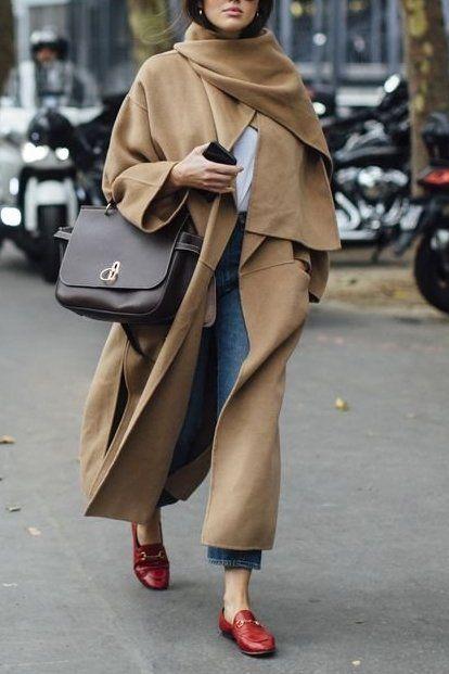 Íme a tökéletes kabát alacsony nőknek: Ledönt minden korábbi tévhitet