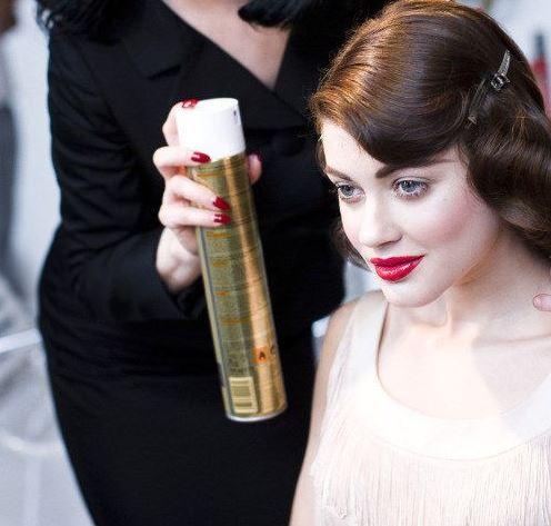 Hajformázás: Ezt mindenki elrontja hajlakk használata közben, a szakemberek szerint