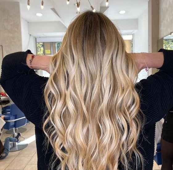 Minden világos hajú nőnek ki kell próbálnia: BB szőke most a legmenőbb árnyalat
