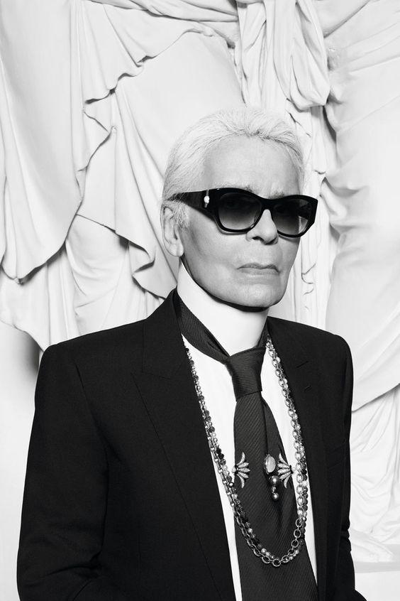 Ezentúl minden máshogy lesz: Nehéz döntést hozott Karl Lagerfeld márkája