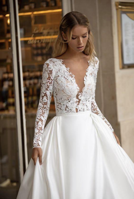 Ezekben mondunk igent idén: Fotókon 2021 legszebb esküvői ruhái