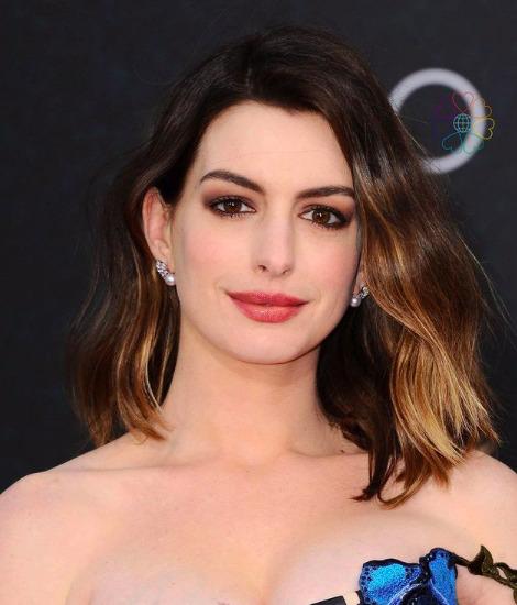 Lebukott: Anne Hathaway titokban plasztikáztatott