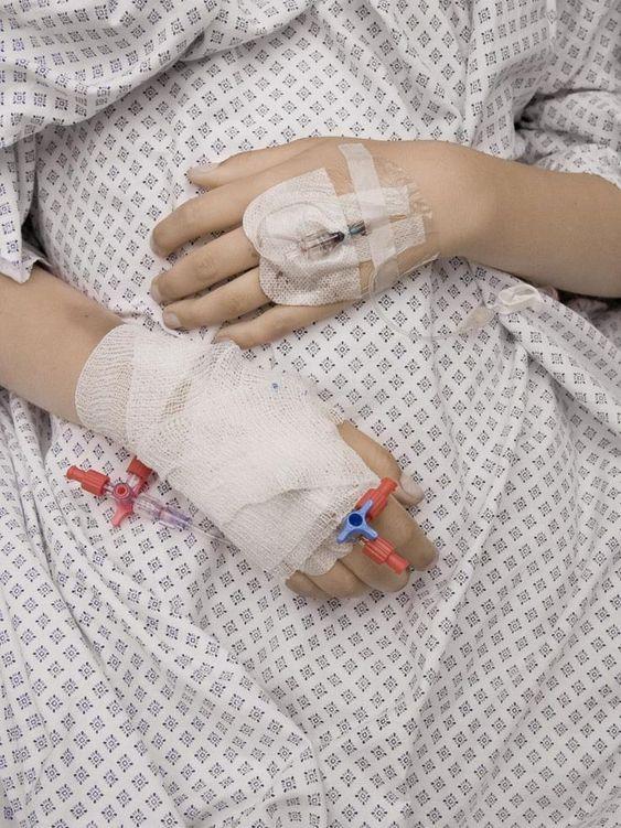 """""""Már láttam a saját temetésem"""" : Igaz történet egy koronavírusos betegtől"""