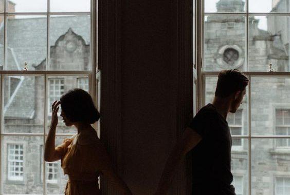 4 jel, hogy konfliktust kereső partnered van