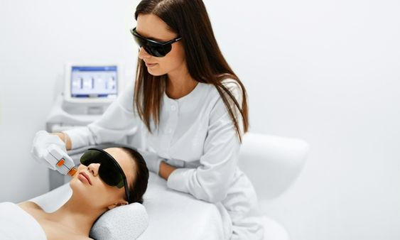 Ismerd meg a LED lámpás kozmetikai kezelést
