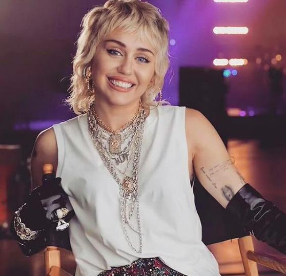 Miley Cyrus nagyon durván lepukkant a karantén alatt
