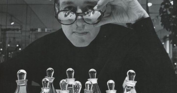 A legendás Roy Halston: Hogyan hozta létre és veszítette el divatbirodalmát a 70-es évek sztártervezője?