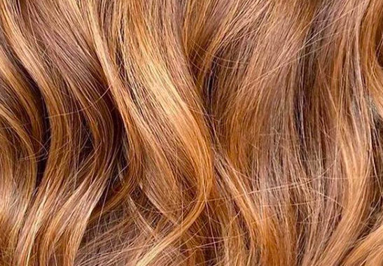 Ha igazán menő hajszínt akarsz nyáron, akkor ilyen színűre fested
