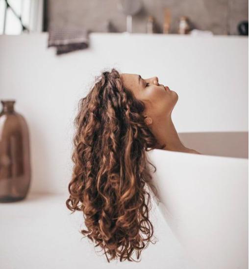 Vesd be ezt az olajat: Hosszabb, egészségesebb lesz tőle a hajad