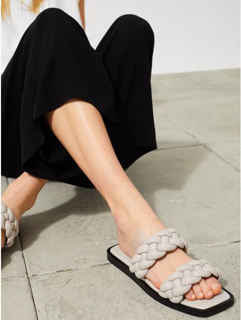 Cipőtrend: Ez a H&M papucs olyan, mintha egy tervező készítette volna