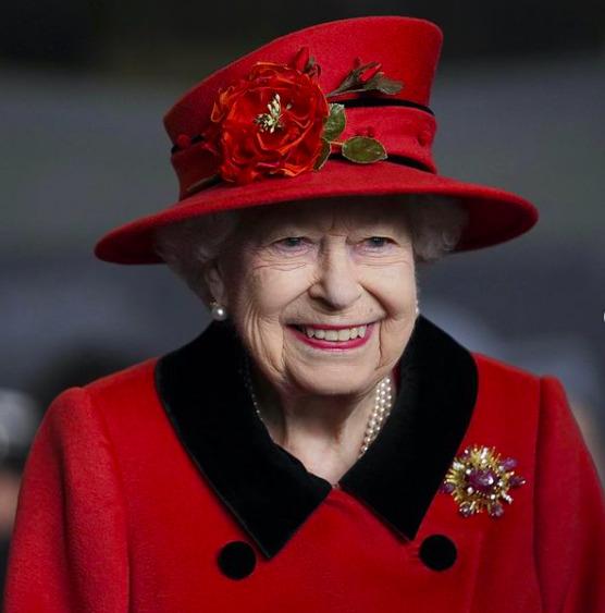 Nagy az aggodalom: Erzsébet királynő végtelenül fáradt