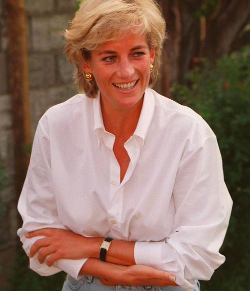 Már 60 éves lenne: Így nézne ki most Diana hercegnő, ha még élne -Fotók