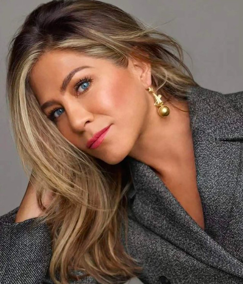 Már nem csak pletyka: Jennifer Aniston tényleg összejött ezzel a sztárral