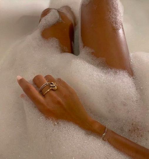 Hagyd a tusfürdőt! Ezért használj inkább zuhanyolajat