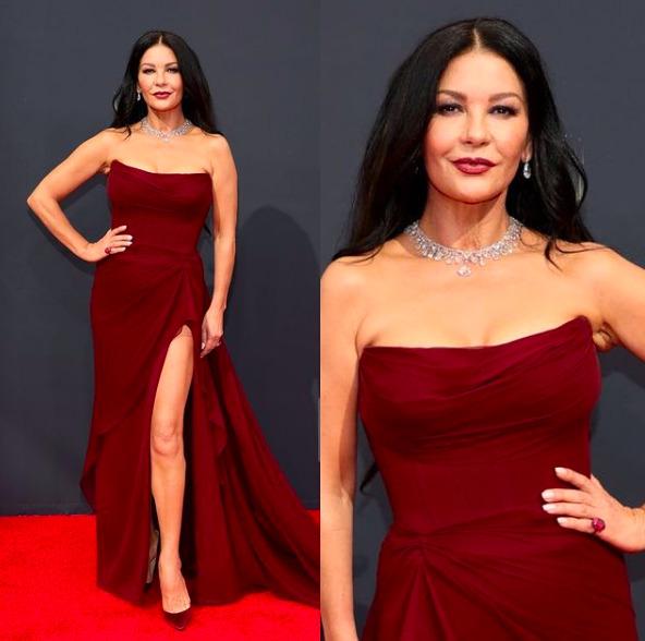 Csak úgy tündököltek: Fotókon az Emmy 2021 három legjobban öltözött sztárja
