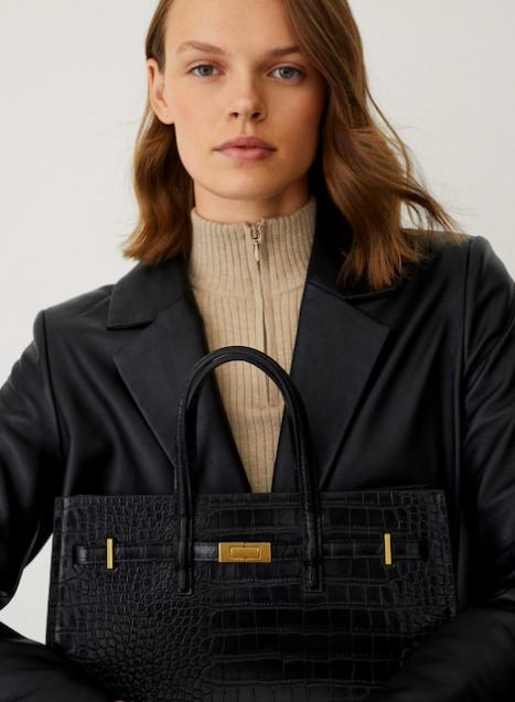 Új kötelező a Mangótól: Ez a táska szuper elegáns, mindenhez passzol, és úgy néz ki, mintha egy tervező készítette volna