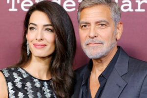 Együtt jelent meg a vörös szőnyegen George Clooney és felesége – Kiderült, várandós-e Amal