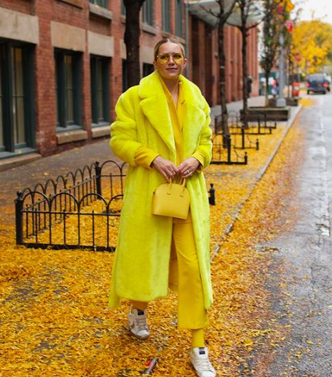 Heti divatsuli: Hogyan viseljük a legjobb színtrendeket 2021 őszén?